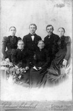 Familie August Mickley aus Flinkow.jpg
